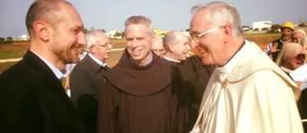 Filippo Legnaghi con il Ministro Generale dell'Ordine dei Frati Minori Michael Perry e il Vescovo di Lecce Mons. Domenico D'Ambrosio